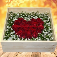 Anna - Heart Rose Box